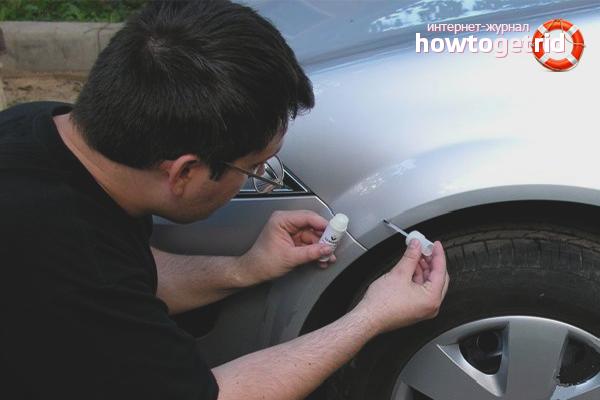 Comment peindre des copeaux sur une voiture