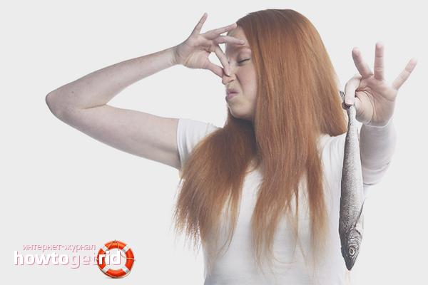 Kā atbrīvoties no zivju smakas rokās