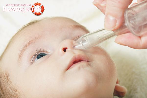 Wie man eine laufende Nase bei einem Baby behandelt