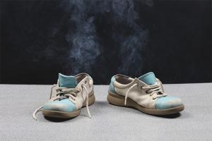 Како уклонити лош задах из ципела