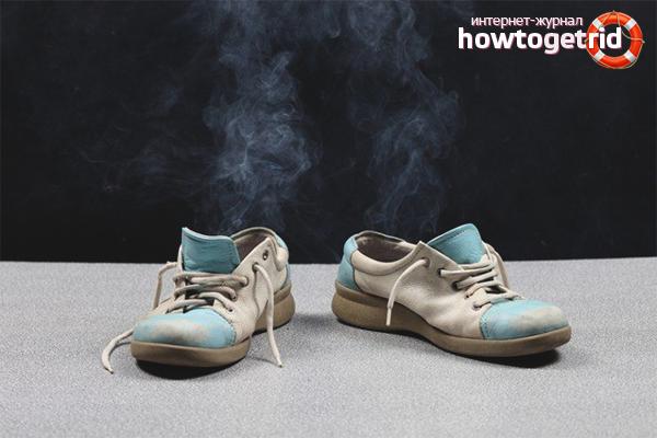 Kā noņemt sliktu elpu no apaviem