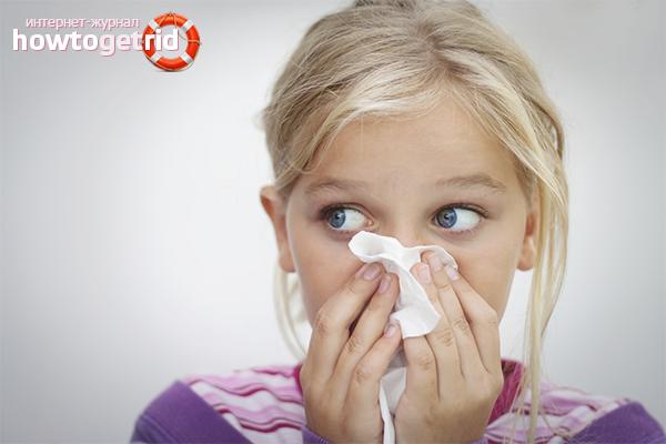Wie man eine laufende Nase bei einem Kind heilt