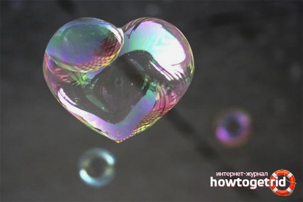 Wie man eine Lösung für lockige Seifenblasen macht