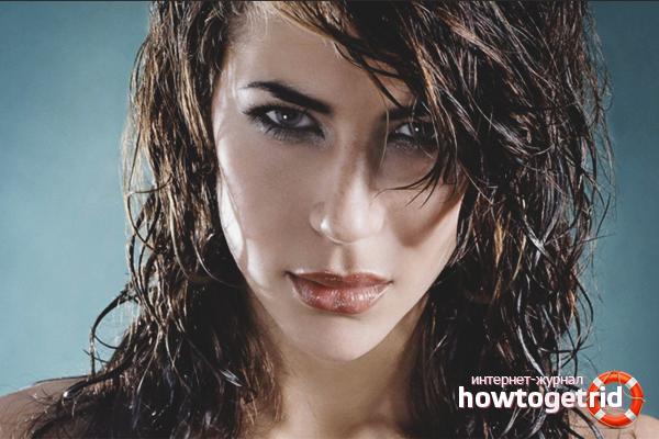 Com fer l'efecte del cabell humit