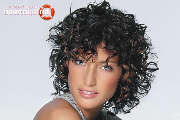 Com es fa efectes humits sobre els cabells curts