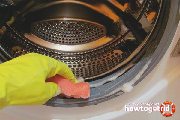 Blå vitriol från mögel i en tvättmaskin