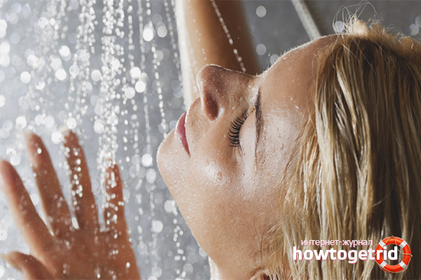 Massatge i dutxa de contrast per estries