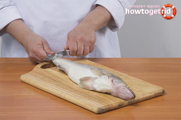 Как да почистите рибата от люспи