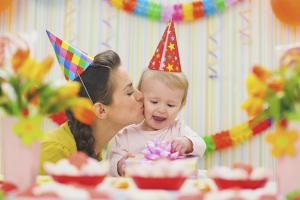 Com organitzar una festa d'aniversari per a un fill
