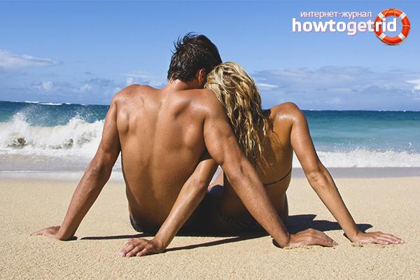 Home i dona de vacances