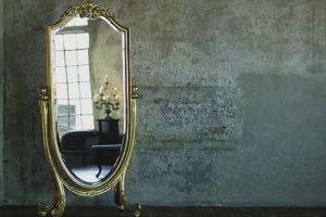 Како се ријешити старог огледала