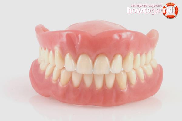 Wie man Zahnersatz zu Hause aufhellt