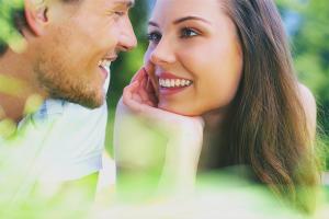 Wie man versteht, dass ein Mädchen in dich verliebt ist