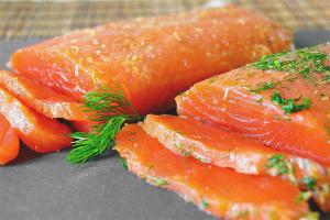 Com salar salmó coho