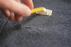 Како уклонити калем са одеће