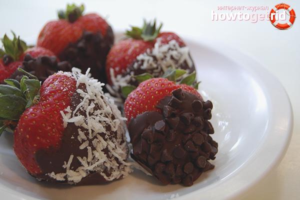 Шоколадови покрити ягоди с кокос