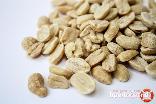 Rostade jordnötter med salt