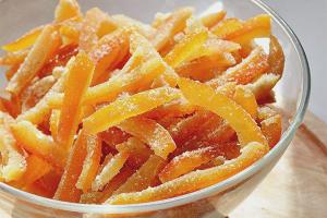 Com fer pells confitades de taronja