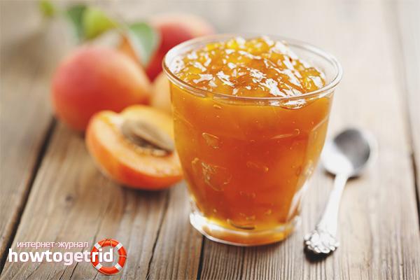 Mikroviļņu persiku ievārījums ar kanēli