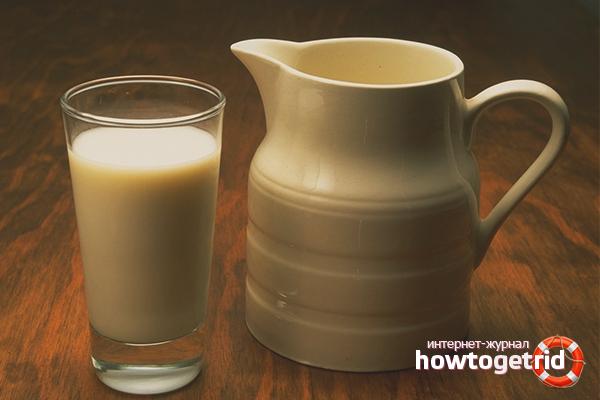 Laptele coapte într-un aragaz lent