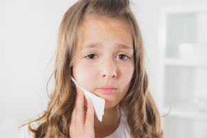Ce să faci dacă un copil are o durere de dinți