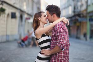 Com entendre que un noi vol besar-te