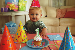 Com celebrar l'aniversari d'un nen d'un any