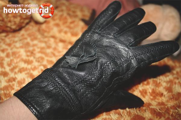 Cara meregangkan sarung tangan kulit