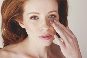 Cara menghilangkan bengkak di bawah mata