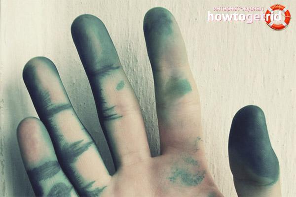 Wie man das Grün von der Haut wäscht