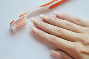 Com treure la brutícia de sota de les ungles