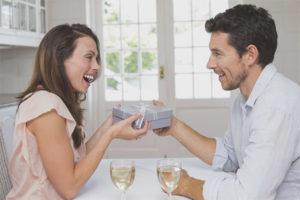 Què regalar a una dona per un aniversari