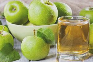 Suc de poma durant l'embaràs