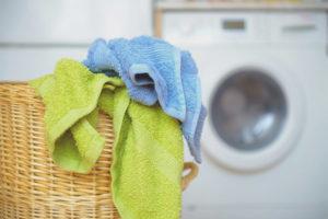Cách giặt khăn bếp bẩn