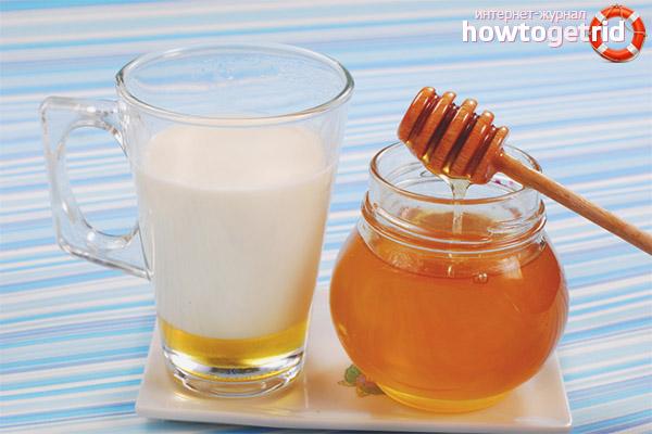 Piens ar medu pret klepu