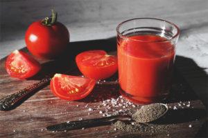 Cum se prepară suc de roșii de casă pentru iarnă