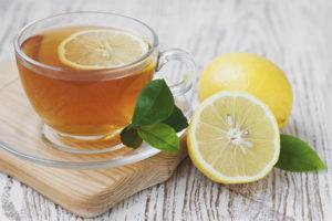 Beneficiile și păcatele ceaiului de lămâie