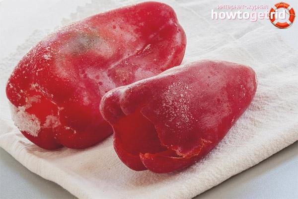 Wie man Paprika für den Winter einfriert
