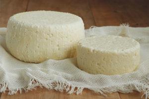 Com emmagatzemar el formatge Adyghe