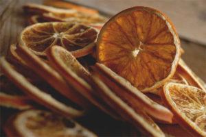 Com assecar una taronja per decorar