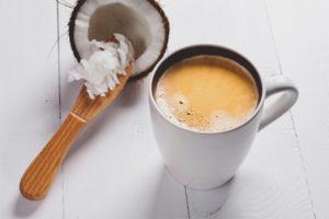 Cafè amb llet de coco